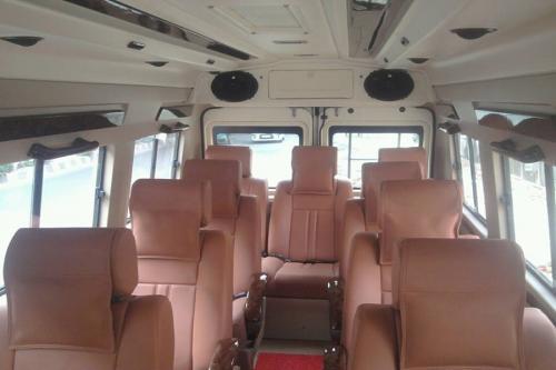 11 seater 1x1 tempo interior