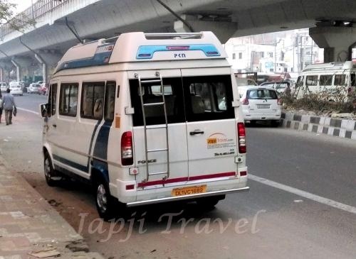 tempo traveller 7 people